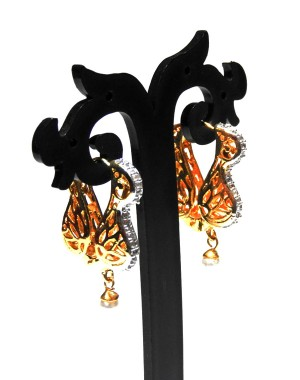 Ishi Collection Metallic Brass Earring IC19