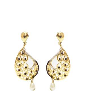 Ishi Collection Metallic Brass Earring IC58