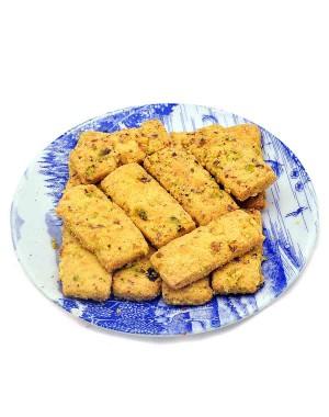 Karachi Bakery Kesar Pista Biscuit KB02