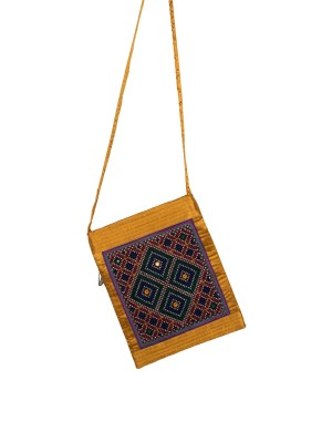 Rakhiyo Jat Work Sling Purse RAK56