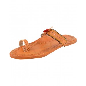 Kolhapuri Women's Leather Chappal KCF11