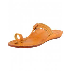 Handmade Leather Typical Kolhapuri Chappal for Women KCF10